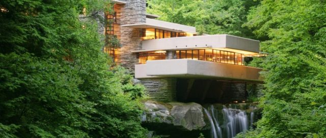 Fallingwater_Laurel-Highlands-Visitors-Bureau-e1489507232873-940x400
