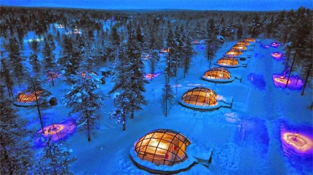 Rows-of-Glass-Igloos