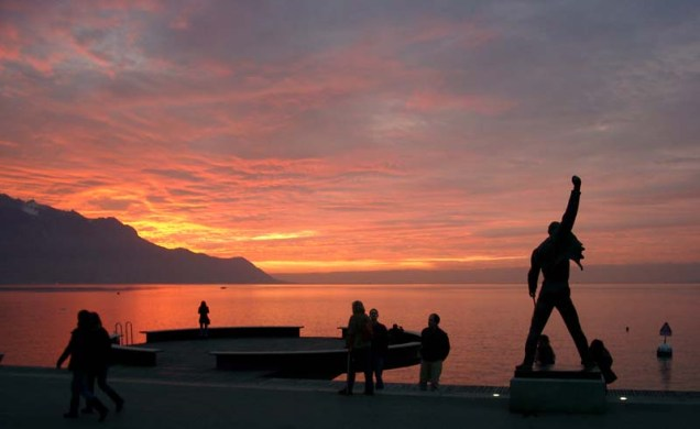 Freddie_Mercury_Statue_-_Montreux